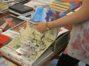 Blättern in Kunstbüchern
