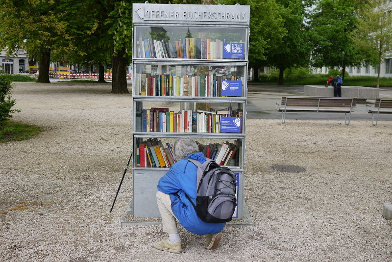 Offener Buecherschrank In Solothurn