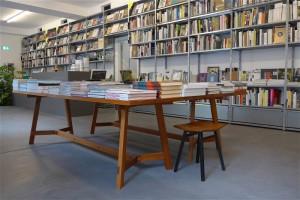 Weite und Höhe für Kunstbücher, Designer-Möbel