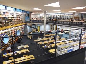 Blick in den Lesesaal der Deutschen Nationalbibliothek Frankfurt