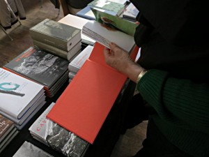 Die Bücher sind von auserlesener Qualität - ein visuelles, haptisches und olfaktorisches Ereignis.