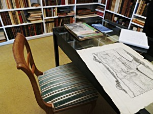 Mit alten Möbeln sparsam gestatltetes Buchantiquariat Fine Books