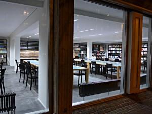 Lesesaal der Kunsthausbibliothek