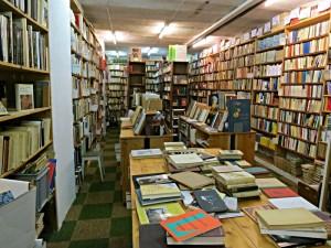 Bücherschlucht im Book'in