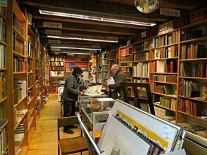 Blick ins Antiquariat mit den Rare Books