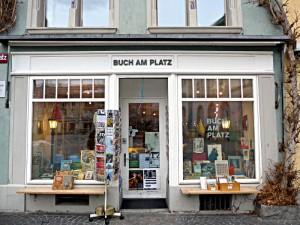 Schmales Haus - breites Bücherangebot in der Buchhandlung Buch am Platz