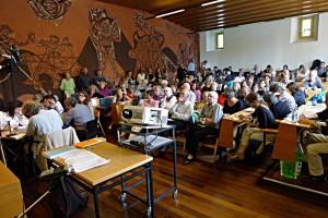 Publikum schreibt mit - Icon-Poet mit Autorinnen und Autoren
