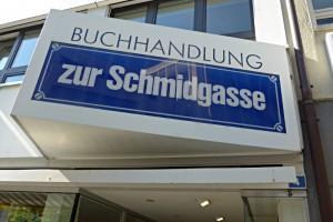 Aushängeschild: Buchhandlung zur Schmidgasse