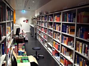 ETH Store unter der Polyterrasse - ein schmaler Raum