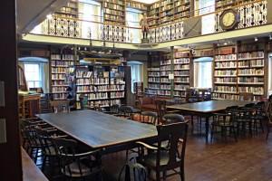 Blick in die altehrwürdigen Räume der Morrin Library Québec