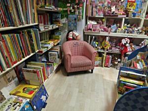 Ein Paradies für Kinder mit Lesesesselchen