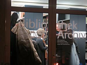 Eingangstür zur Bibliothek
