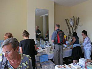 In der Buchhandlung Zoë (Brig)