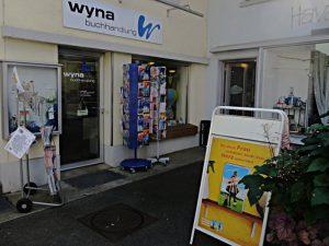 Postplatz 1, die Wynabuchhandlung und rechts das Havanna-Haus