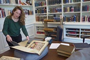 Bibliotheca Rosenthaliana Amsterdam, Frau Boertjens bereitet vor