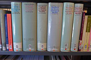 Handbuch zur Kinder und Jugendliteraur, 6 Bände