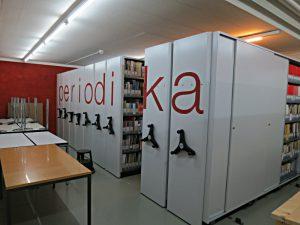 Periodika in Archivrollgestellen im Keller