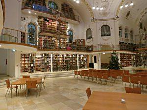 Kuppelsaal, Blick zur Seite mit den Orgelprospekten