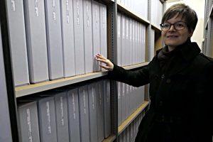 Dr. Heidi Eisenhut im Archiv