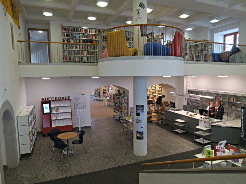 bibliothek zug zug buchort. Black Bedroom Furniture Sets. Home Design Ideas