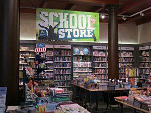 Alles für den Schulbeginn im School Store