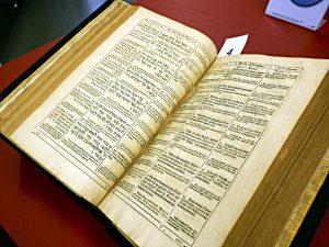 Polyglotte Bibel von 1599: 12 Sprachen