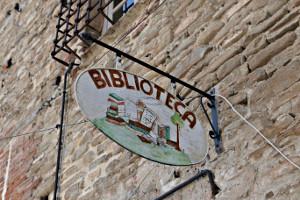 Aushängeschild der Bibliothek Monastero in Bormida