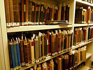 Im Online-Katalog zu erfassende ältere Bücher