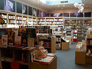 Blick durch die Buchhandlung