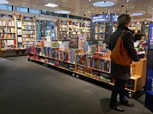 Spiele und Puzzels, Fantasy und Graphic Novels