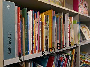 Bilderbücher, alphabetisch eingeordnet