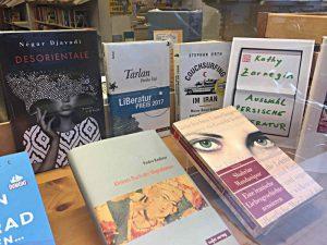Buchauslage, Auswahl Kathy Zarnegin