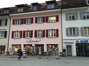 Das Altstadthaus mit der Buchhandlung von aussen