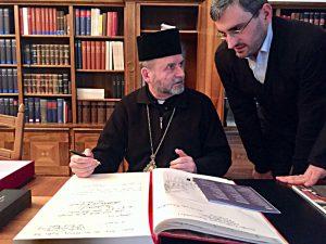 Bischof aus der Ukraine zu Besuch in der Stiftsbibliothek