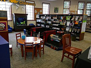Kinderbibliothek im halbrunden Anbau