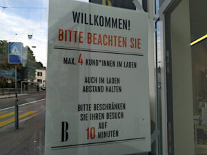 Beschränkung der Anzahl Kunden in einer Buchhandlung